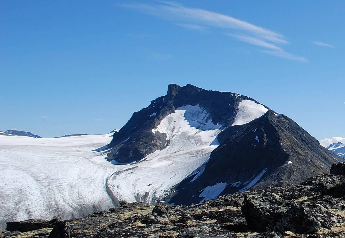 Vestre Tverrbottinden i Jotunheimen sett fra nordvest.