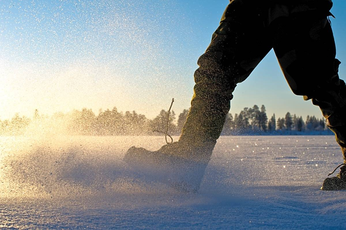 BEVEGELSE: Det er lettere å holde føttene varme om du beveger deg. Foto: Randulf Valle