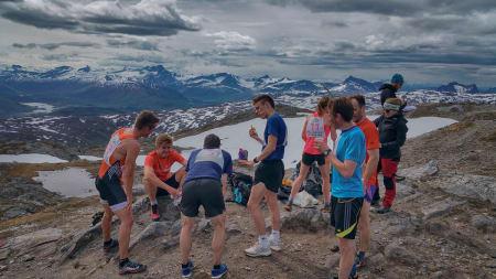 BLOGG: Verdens eneste motbakkeløp i midnattssol?