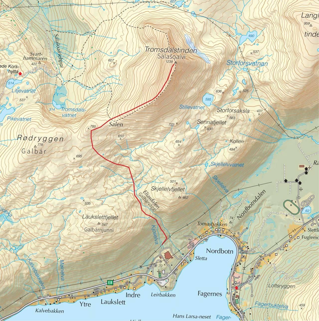 Kart over Tromsdalstinden med inntegnet rute. Fra Trygge toppturer.