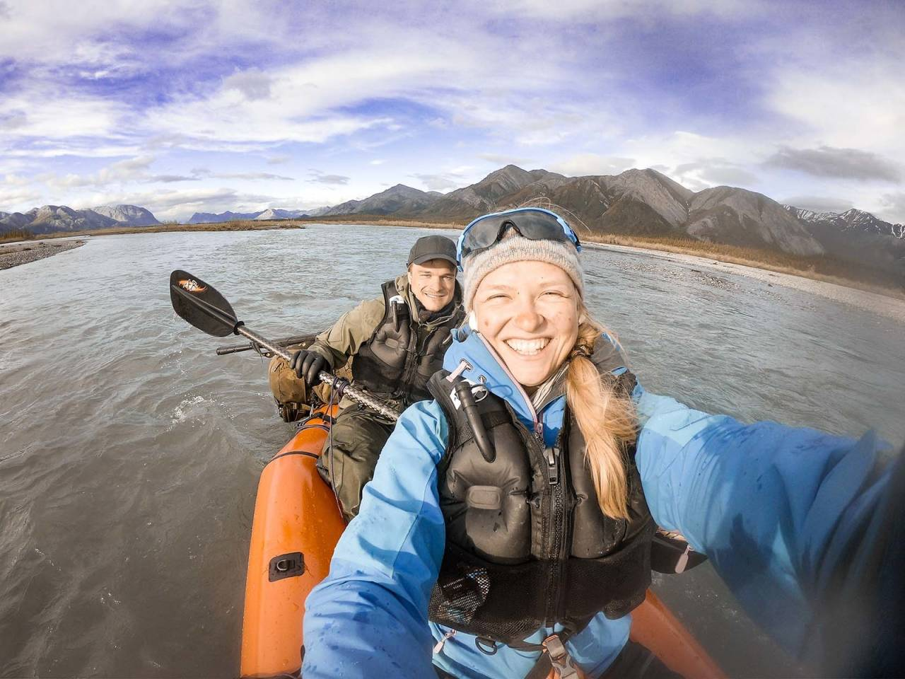 KANDIDAT 1: Even Augdal og Kristina Lund Leivestad, her med packraft på elva East Fork Chandalar.