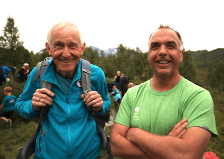 Årets Fjellgeit ble Fred Husøy (t.v). Her sammen med tidligere fjellgeit Øystein Dahle. Foto: Dag Hagen