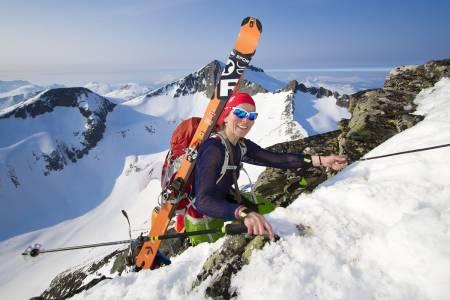 FIN TUR: Elin Espvik fra Kristiansund var en av de som tok utfordringen og ble med i turklassen på Romsdal Rando.