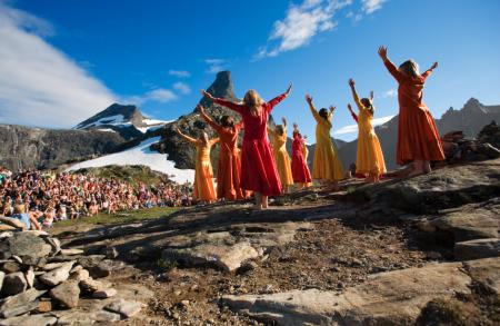 Norsk Fjellfestival i Åndalsnes, 6. - 13. juli. For mennesker som setter pris på fjell og friluftsliv. www.norsk-fjellfestival.no. Foto: Stein Lindseth Olsen