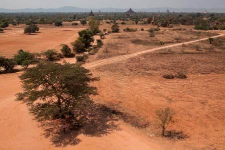 Bagan ligger midt i Myanmar (tidligere kjent som Burma), ikke langt fra trekkingområdet Kalaw og Inle lake. Det er fremdeles store deler av Myanmar som turister ikke får lov til å ferdes i.