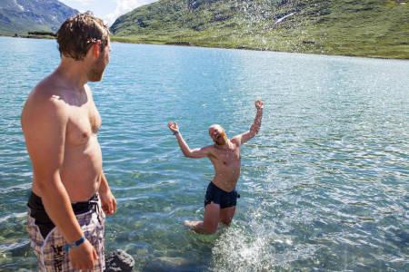 Stor mann, store gleder. Foto: Marte Stensland Jørgensen