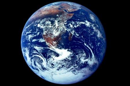 EARTH HOUR: Lørdag kveld slår du av lyset mellom 20.30 og 21.30. Punktum.