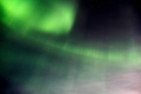 Naturopplevelsene underveis blir ekstra store, alene ute i løypa. I Finnmark er nordlyset fortsatt kraftig i mars. Foto: Kristine Lindebø