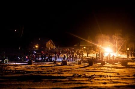 Da Finnmarksløpet ble arrangert første gang i 1981, stod tre hundespann på startstreken. Nå er det landsdelens største idrettsarrangement. Siden 2009 har NRK hatt daglige sendinger fra løpet, og interessen blant folk har eksplodert.