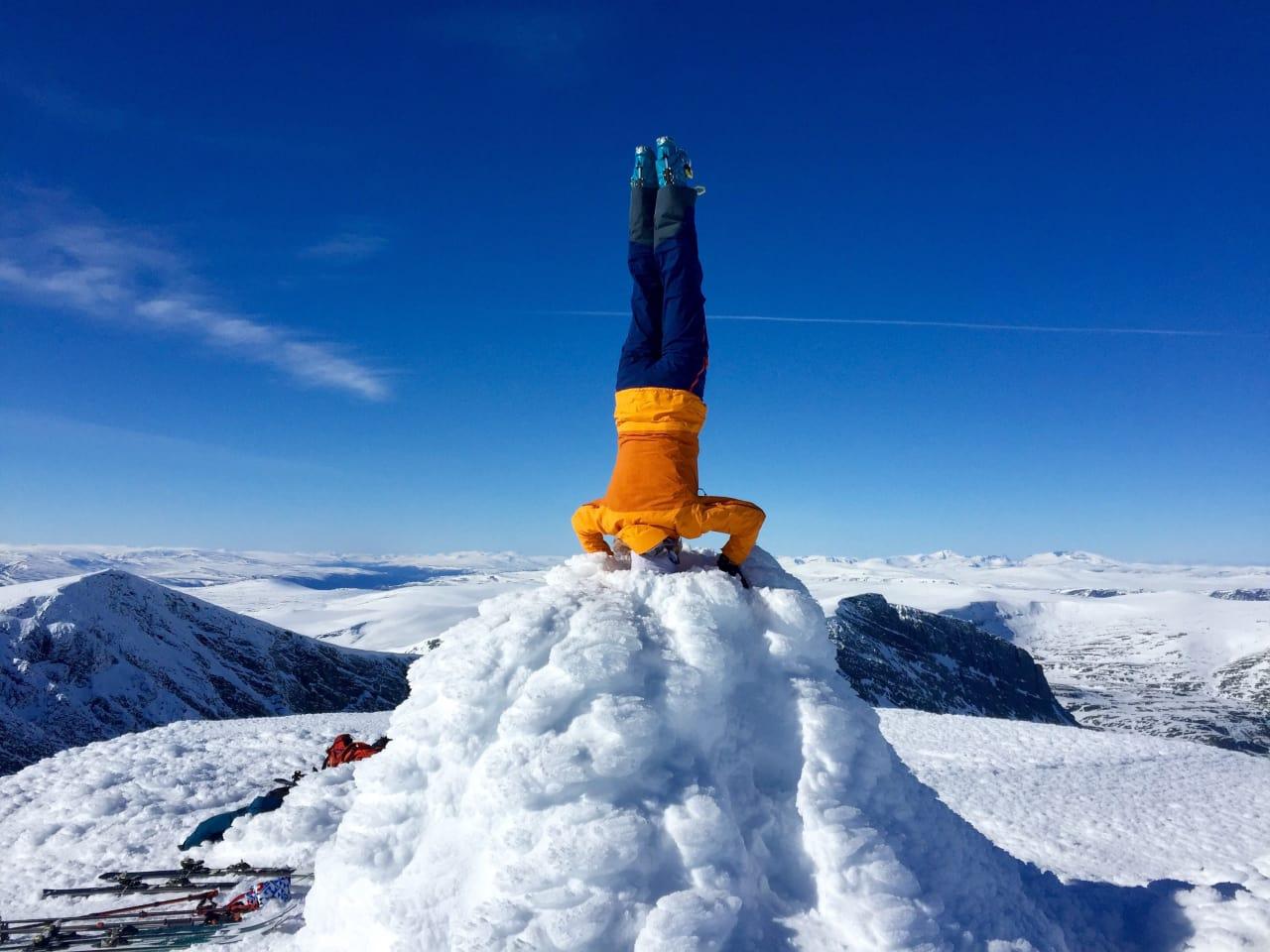 HODESTUPS: Fjellgeit Heidi Lillebråten er så bortskjemt med Jotunheimen at det tok henne 35 år å komme seg på skitur i Rondane. Snakk om starte på toppen! Foto: Sigurd Rønningen