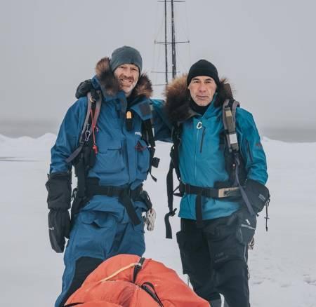 Polfarerne Børge Ousland og Mike Horn er for tiden på vei over Nordpolen og meget tynn havis. Foto: Stein A Retzlaff / Team Pangaea