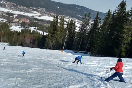 De siste årene har skiinstruktør Pål-Trygve Gamme brukt Varingskollen til å lære bort basisferdigheter for fjelltur. Foto: Pål-Trygve Gamme