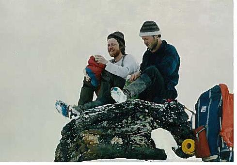 NOE Å FEIRE: Stein P. Aasheim og Arvid Holte gikk Norge på langs i 1976. I august kommer de til Haukeliseter for å mimre med andre NPL-ere. Foto: Stein P. Aasheim