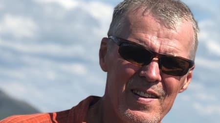 TURNÈKLAR: Ture Bjørgen er fjellklatrer og redningsmann i Rogaland Alpine Rednignsgruppe. På død og liv er hans første bok.