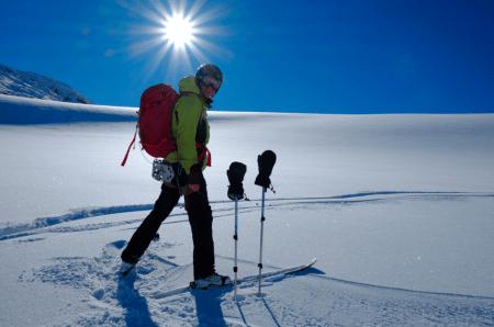 VINTEREN ER HER: Magne Grihamar og Glenn Roar Berge på Koldedalsbreen. Foto: Glenn Roar Berge