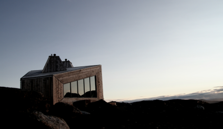POPULÆR: Rabothytta har blitt et populært turmål og en suksess for Hemnes Turistforening. Foto: Håvard Nystad