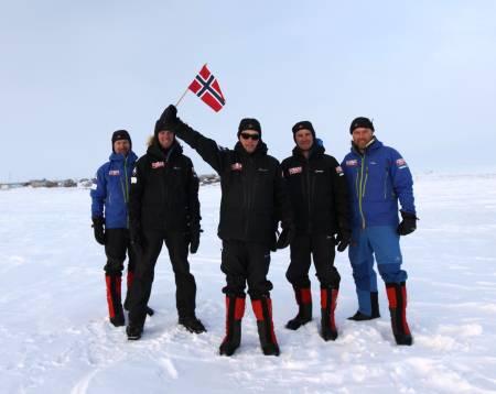 Fremme: Simen Tannæs-Fjeld, Lars Martin Tannæs-Fjeld, Sigurd Solheim Aakhus, Halvor Marius Hagen og Morten Johansen.