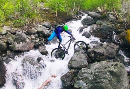 SKAL SAMLE STI-NORGE: Bjørn Jarle Kvande var lei av å ikke finne veien. Derfor startet han trailguide.no. Foto: Gaute Aaboen