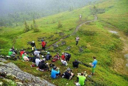 Utflukt i Trysil, 19.– 22. Juni. Stisykkeltreffet Utflukt handler om sykkelopplevelser på noen av Norges flotteste stier, og det passer for alle uansett nivå, kjønn, alder og utstyr. http://utflukt.terrengsykkel.no FOTO: Terrengsykkel