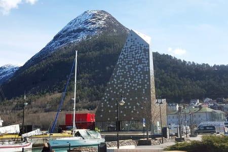 FORVALTER: Norsk Tindesenter AS understreker at de vil følge de videre planarbeidet for gondolen nøye. Foto: Nils Øverås