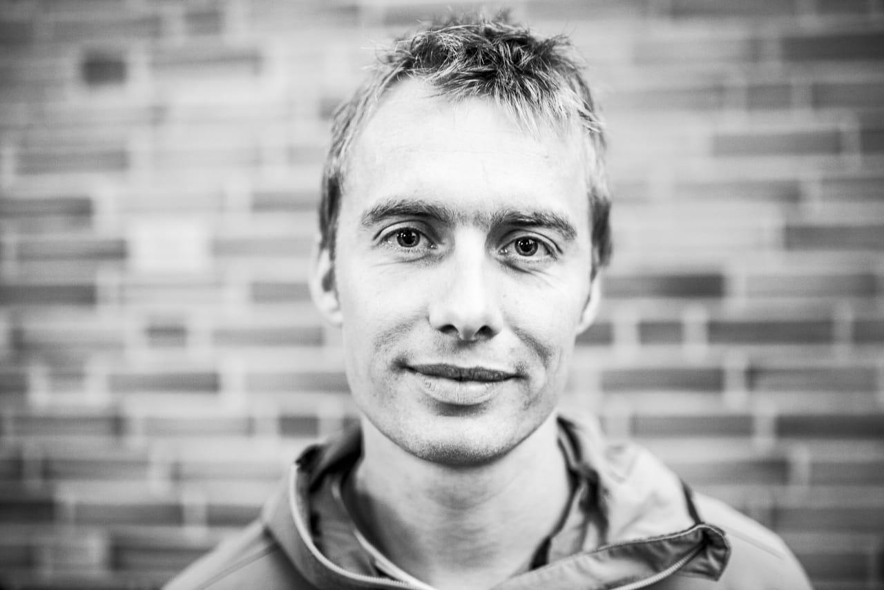 Leo Houlding fylte lokalene til Fri Flyt i går. Foto: Marte Stensland Jørgensen
