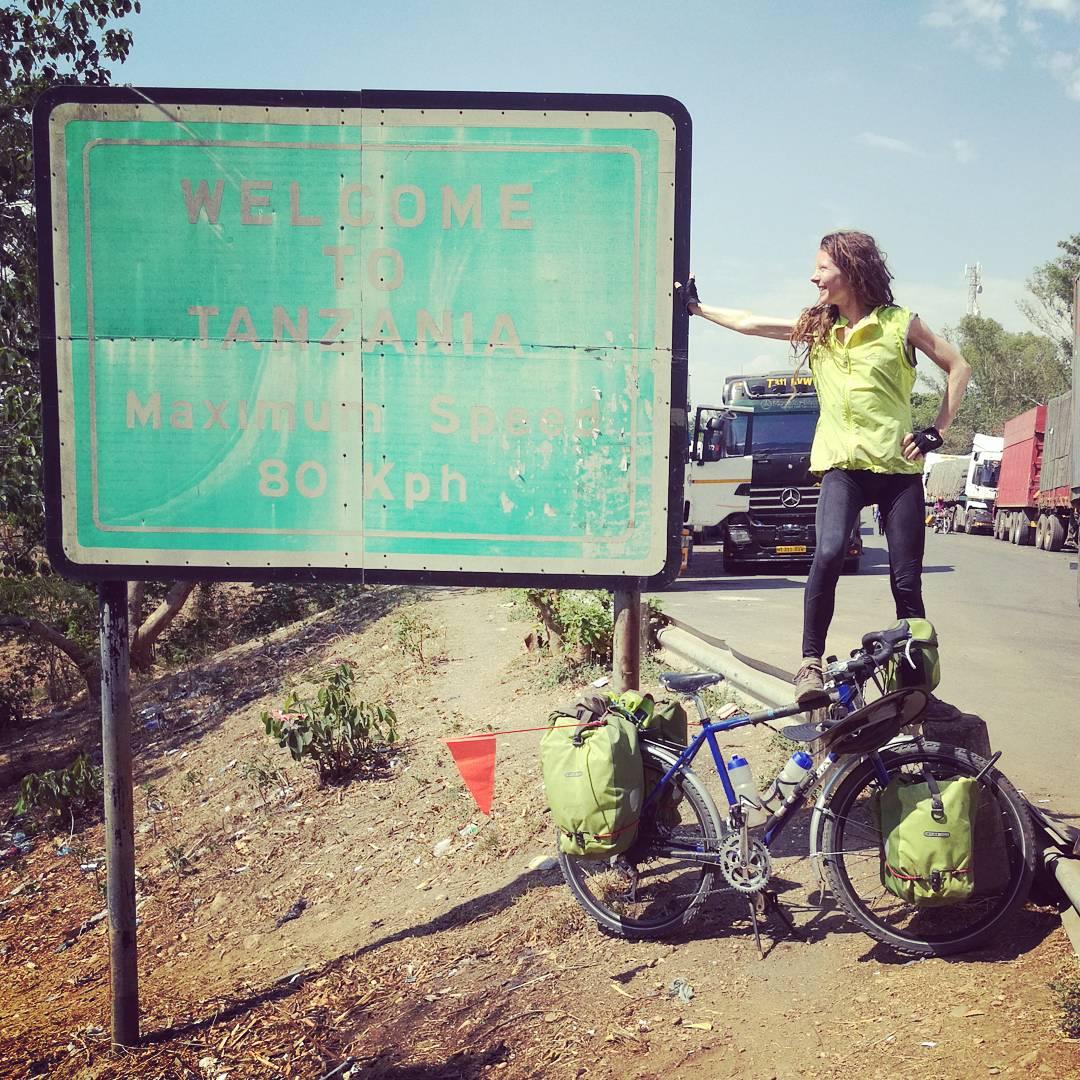 Grensekryssing: Velkommen til Tanzania!