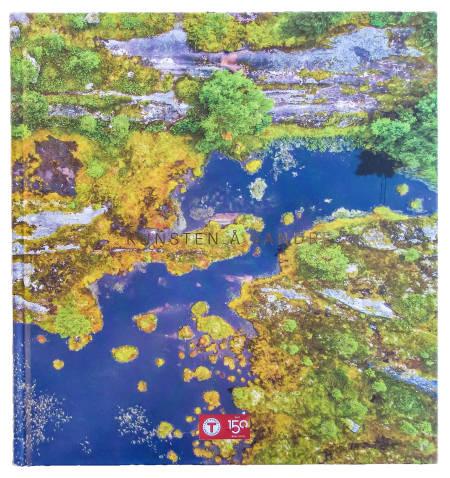 MOSEBOKEN: Kunsten å vandre er DNTs jubileumsbok i anledning 150-årsjubileet. FOTO: DNT