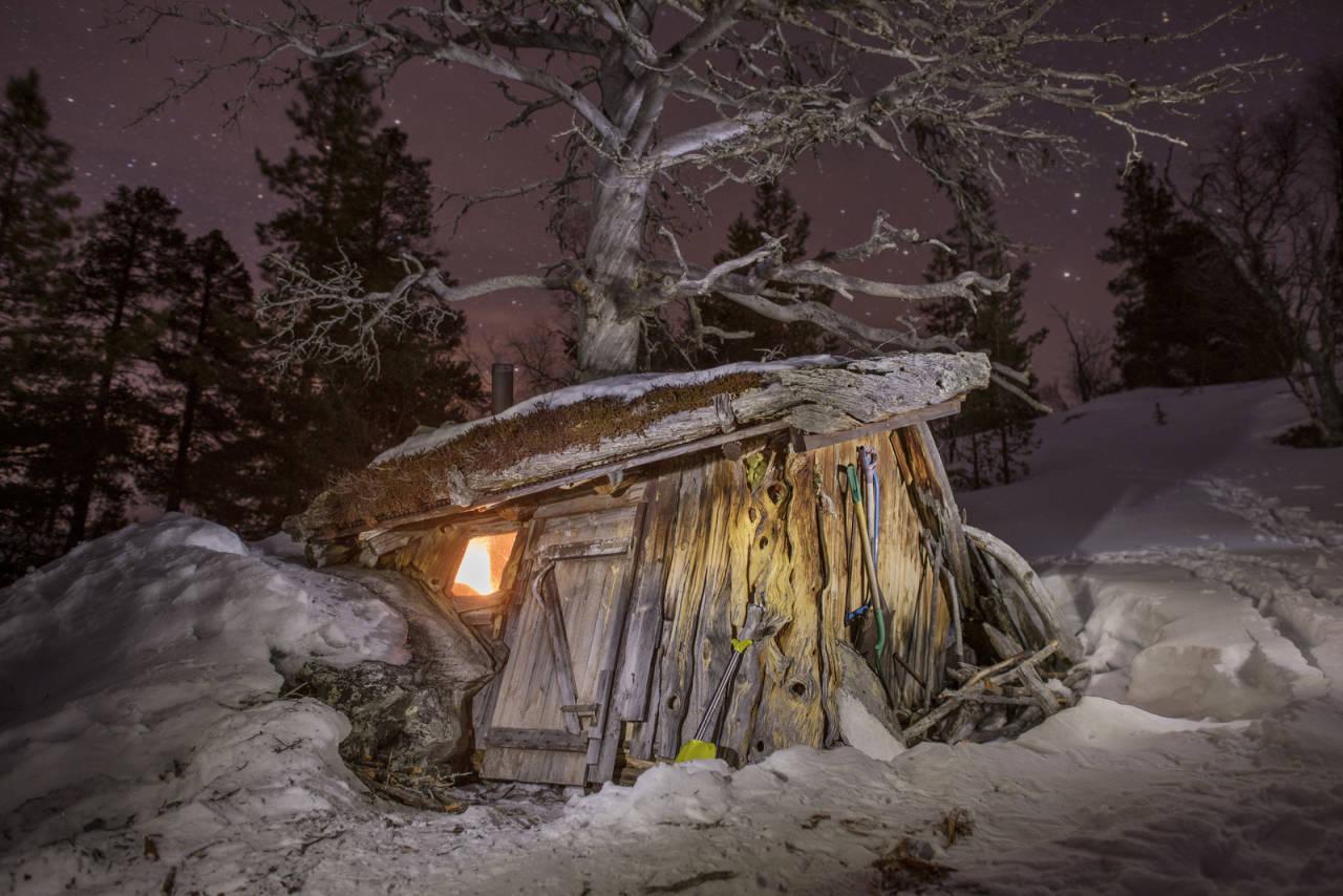 HEMMELIG FRILUFTSLIV: Marius Nergård Pettersen har gått opp sin egen litterære sjanger utenfor opptråkkede stier - og fått forbløffende mange lesere med seg.