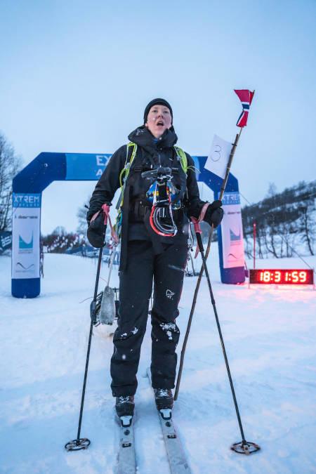 BESTE KVINNE: Bjørg Marit Valland tok ikke uventet seieren i kvinneklassen, akkurat over 30 timer: 30.01.31. Foto: Mikkel Beisner Photography/Xtremeidfjord