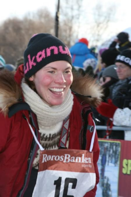 Sigrid Ekran holdt unna for konkurrentene, og krysser mållinja bare tre minutter før Robert Sørlie.  Foto: Femundløpet