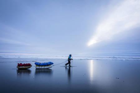 OVER NORDPOLEN I MØRKET: Børge Ousland er klar med foredragsturné om det han beskriver som sin hittil mest krevende ekspedisjon. Foto: Børge Ousland