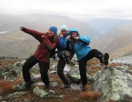 10. juni legger de tre turjentene ut på Norge på langs-tur.