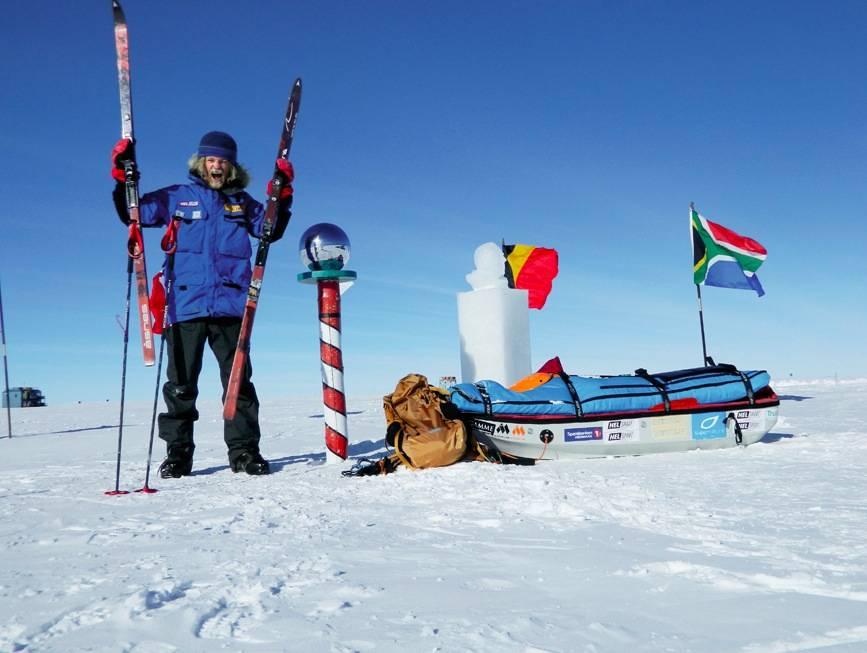 Aleksander Gamme på polpunktet, etter at han gikk verdens lengste skitur over Antarktis. 14. desember setter han kursen mot til Dronning Maud Land. Foto: Privat