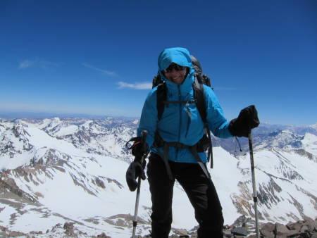KLAR: Kari Dybsjord Røstad har akkurat satt snuten mot Himalaya og Karakoram. Målet er toppen av Broad Peak.Foto: Privat