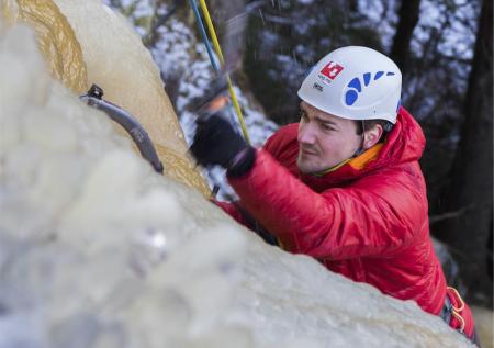 STEG FOR STEG: Torkjel Hurtig har gjort fem av Seven Summits, og i mars drar han mot Everest. Vi møtte han i forberedelsene. Foto: Lillian Langseth