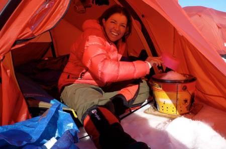 Første kvinne i Amundsens skispor til Sydpolen.