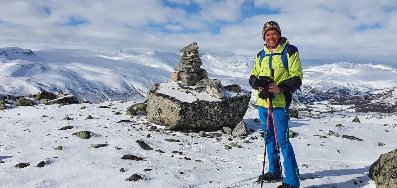 IMPONERENDE DAGSTUR: Johan Solberg er godt kjent i fjelltraktene rundt Oppdal, og fikk seg en skikkelig fjellskitur 1. mai. Foto: Privat