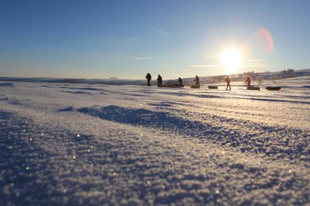 BØRGE OUSLANDS VINTERSKOLE: Vi ble med vinterens mester, Børge Ousland, på ukestur over Finnmarksvidda, for forstå enda bedre hvordan vinterturene kan bli de aller flotteste turene. Foto: Matti Bernitz Pedersen