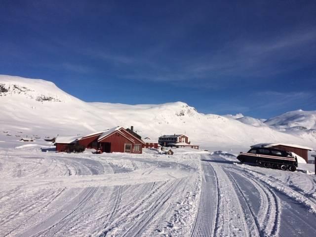 FONDSBU: Den populære turisthytta gikk mot rekordomsetning denne vinteren, før Korona-viruset slo til. Foto: Solbjørg Kvålshaugen