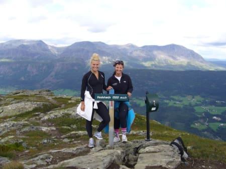 På toppen av Veslehorn (hiking 4) – foto hemsedal.com / Hanne Morud