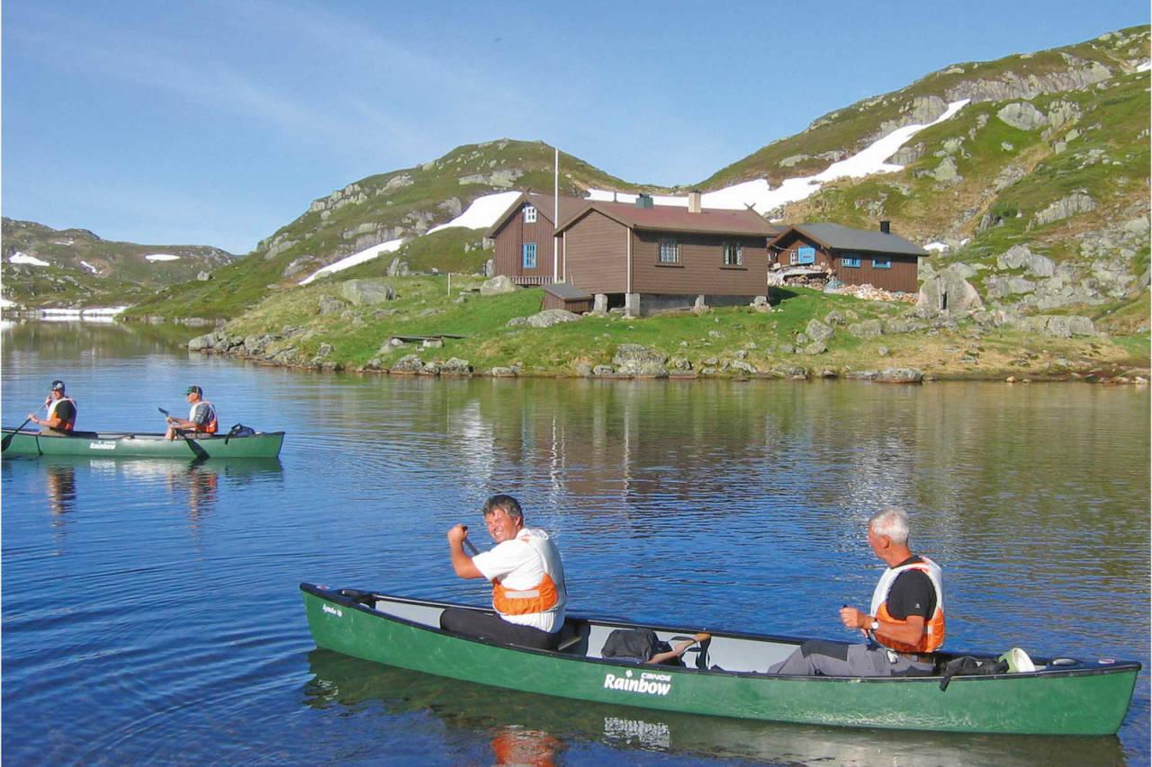 Fint å padle med utgangspunkt i Øyuvsbu. Foto: Håvard Flå
