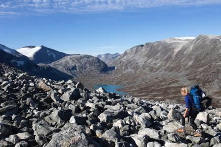 EN TURPERLE: Tafjordfjella er det største fotturområdet på Sunnmøre. Her er det et godt utbygd sti- og hyttenettverk – i særdeles variert landskap. Alle foto: Mari Valen Høihjelle