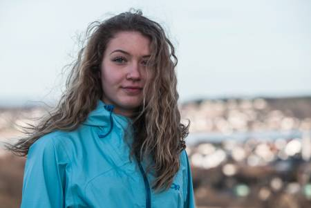 SAMLER PÅ FJELLTOPPER: I januar nådde Michelle toppen av Aconcagua, som yngste jente noensinne. Nå er neste mål Denali. Foto: Trond Teigen