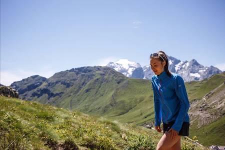 OPP, OPP, OPP: Målet med løpingen er å nå så langt som mulig. Hun har bevist mange ganger at hun ikke gir seg før hun når målet. Foto: Marina Valmassol