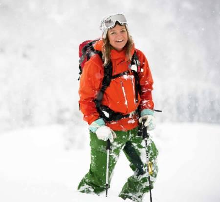 DRØMMEDAG: På jobb får Marit Svarstad Andresen brukt skiutstyret stadig vekk. Foto: Bård Basberg