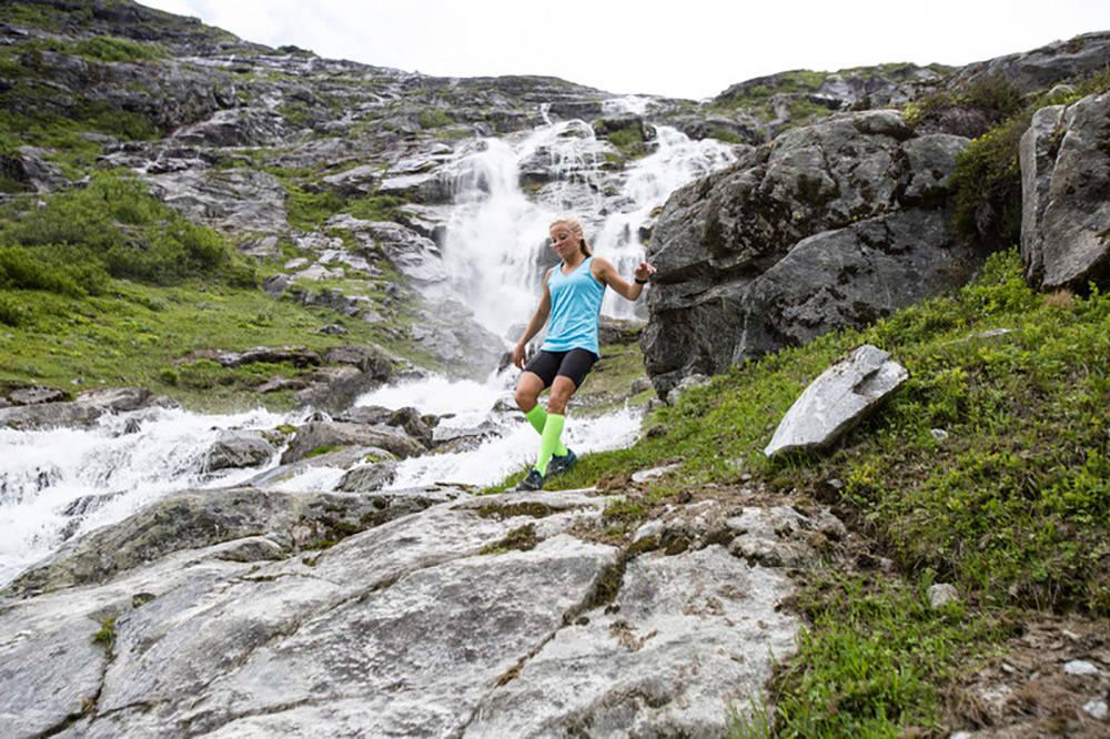 SNART SOMMER: Nå er det ikke lenge til alt ligger til rette for løping i skog, mark og fjell. Få de beste tipsene av profesjonell stiløper og randoutøver Malene Blikken Haukøy.