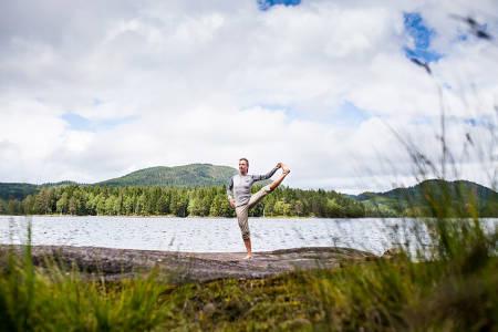 yoga i nordmarka kikut