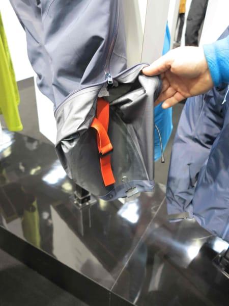 Arcteryx med smart detalj for stegjernsfolket: Bare rull opp buksa så slipper du å tråkke og snuble i den.