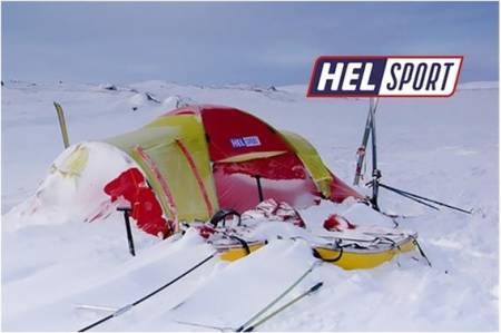 Helsport lager telt og soveposer for ekspedisjon og folket