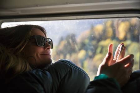 KOM FOR Å BLI: Mariann Sæther har vært fast sommerturist til Helgeland år etter år. Nå har hun bosatt seg her med familien.